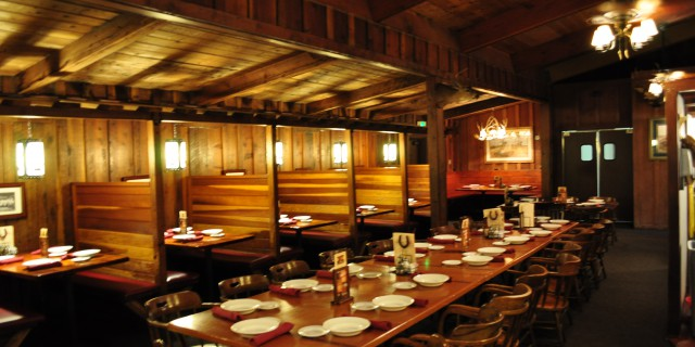 Cattlemens Dixon Dining Room