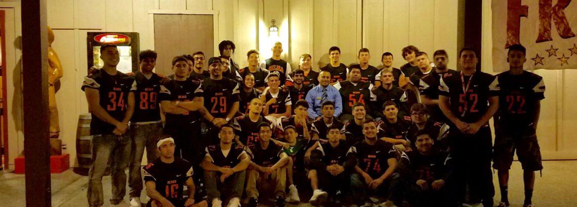 Selma High School Football Team eats at Cattlemens