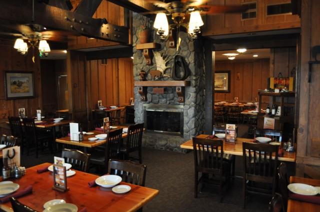 Redding Cattlemens Dining Room
