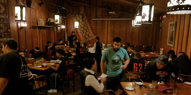 Selma Football Team Dines at Cattlemens