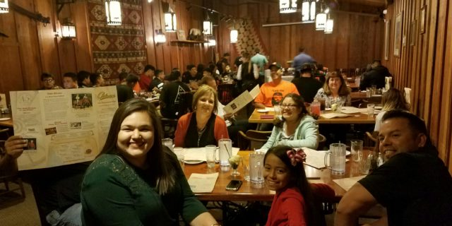 Selma Football Dines at Cattlemens