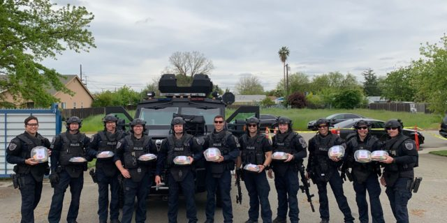 Cattlemens donates meals to police